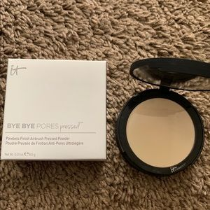 It Cosmetics bye bye pores Pressed powder❤️